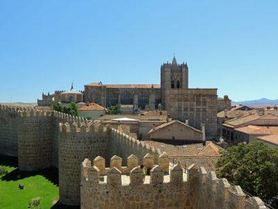 12-Avila-Muralla y Catedral